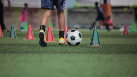 【うばった後にボールを失わない】『ジュニアサッカー攻守の切替』〜2対2+2のロンド〜