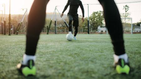 【壁パスとドリブルで敵を迷わせる】『ジュニアサッカー攻撃の基礎』〜2対1のコンビネーション突破〜