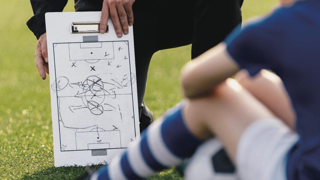 サッカーコーチには誰でもなれるが良いコーチには誰でもはなれない